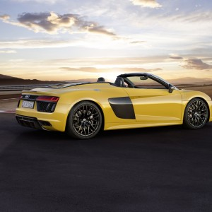 Audi R8 V10 Plus Official Video