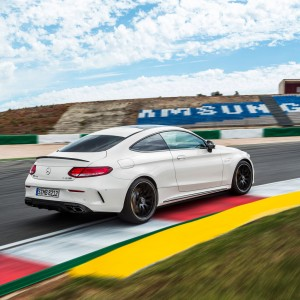"Mercedes-AMG C 63 S Coupé Trailer ""Never Stop Challenging »"